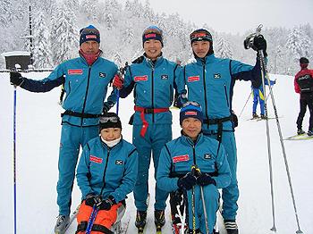[写真]日立システムスキー部メンバー集合写真