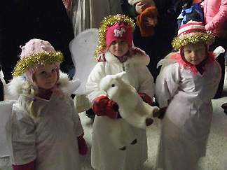[写真]フィンランドのクリスマスの子供たち