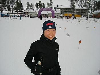 [写真]3位のアナウンスに笑顔の太田選手