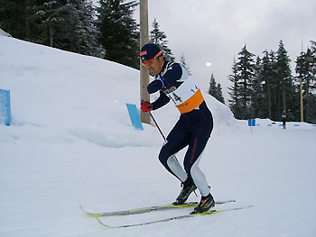 [写真]バンクーバーコースを走る新田佳浩