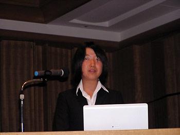 [写真]講演中の太田選手