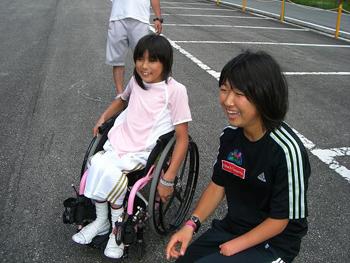 [写真]桃佳ちゃんと渉子