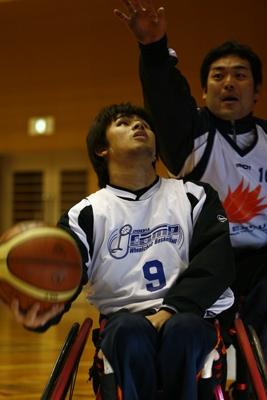 [写真]プレー中の大嶋選手