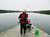 [写真]釣りをする太田選手と久保選手