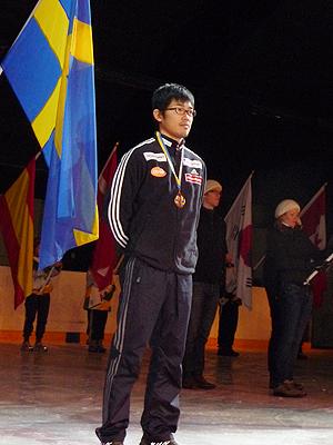 [写真]表彰式の新田選手