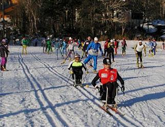 [写真]毎年初滑りは旭岳