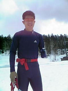 [写真]ロングTシャツを着た新田選手