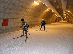 [写真]小林深雪選手 スキートンネル