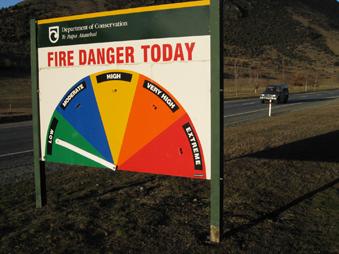 [写真]火事危険度の看板
