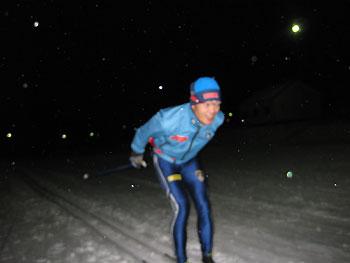 [写真]新田選手滑走シーン
