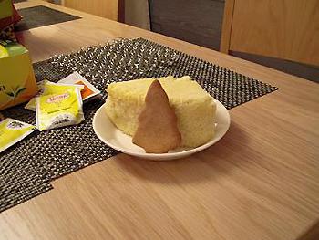 [写真]シフォンケーキとしょうがのクッキー