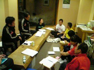 [写真]合宿のミーティング