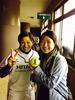 [写真]日立ソフトボールの松畑美希選手と太田渉子