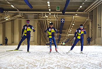 [写真]ドイツのスキートンネルでのトレーニング