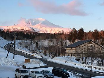[写真]旭岳の夕焼け