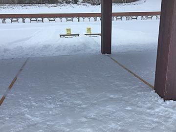 [写真]雪の積もった射場の様子
