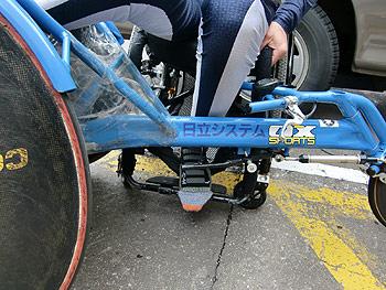[写真]長田弘幸選手の車いすレーサー