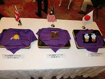 [写真]松下浩二さんが獲得したメダル