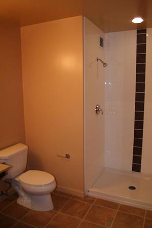 [写真]ロッジ型のバスルーム