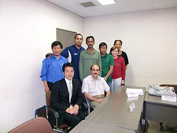 [写真]JICAの海外研修生と荒井秀樹監督
