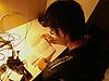 [写真]手紙を読む新田佳浩