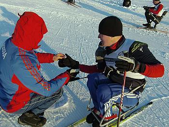 [写真]指が凍って、動かなくなったロシアの選手