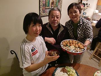 [写真]山形出身の柴田ご夫妻と太田渉子