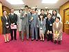 [写真]江東区山崎区長と職員の皆さんで