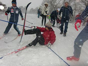 [写真]お母さんも転んだけど楽しい!