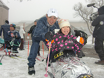 [写真]シットスキーが楽しい!笑顔が可愛い!
