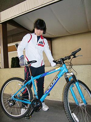 [写真]太田選手も借りたマウンテンバイク