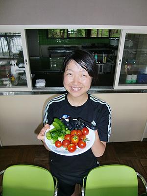 [写真]おばあちゃんからの差し入れの野菜