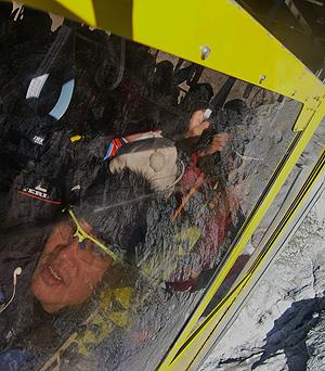 [写真]ゴンドラで降りる新田選手