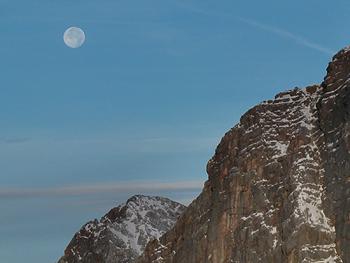 [写真]標高2700mからのお月さま