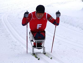 [写真]滑走中の久保恒造選手