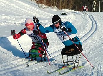 [写真]シットスキースプリント雪上の格闘技だ