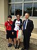[写真]阿部友里香と仲のいいチームメイトと新美部長