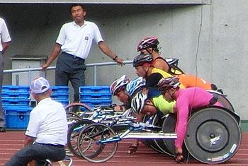 [写真]1500m決勝スタート、緊張の一瞬