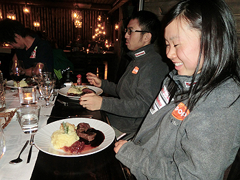 [写真]トナカイのステーキを食べました