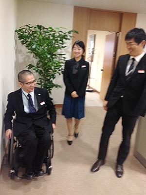 [写真]長田弘幸コーチと新田佳浩、太田渉子選手