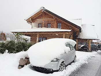 [写真]車に積もった雪