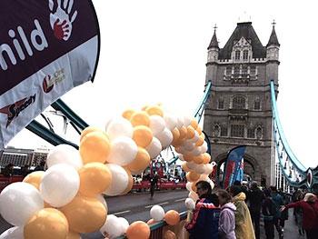 [写真]ロンドンマラソン20km地点、沢山の人