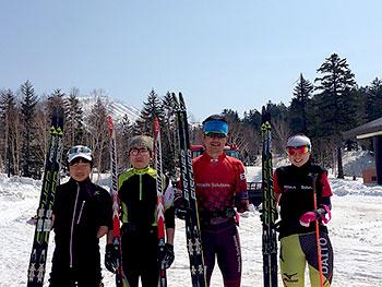 [写真]星澤、高村、新田、阿部の4選手の集合写真