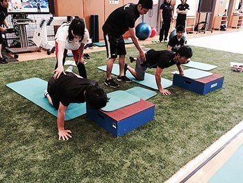 [写真]HPG(ハイパフォーマンス・ジム)でのトレーニング講習