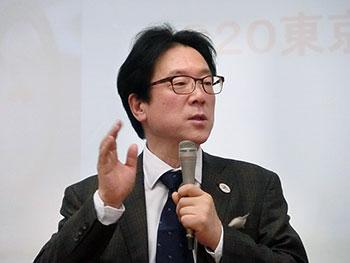 [写真]平田竹男先生