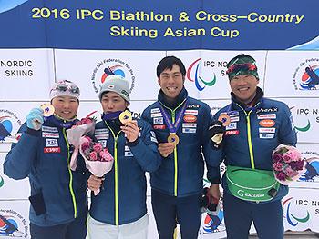 [写真]スプリント・クラシカルでメダルを獲得した日本選手