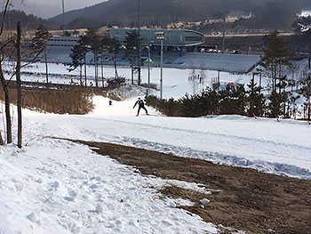 [写真]コースを試走する川除大輝選手