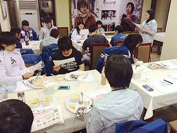 [写真]渡邊香緒里先生のレクチャー
