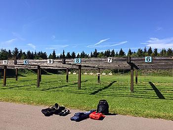 [写真]ローラースキーコースの途中にあるバイアスロン射撃場