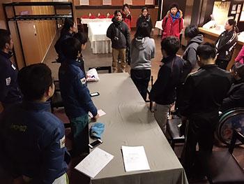 [写真]札幌大会組織委員会の皆さんから応援をもらいました